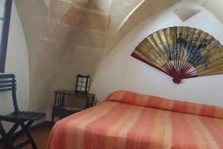 accogliente stanza in riva al mare - Roca Vecchia