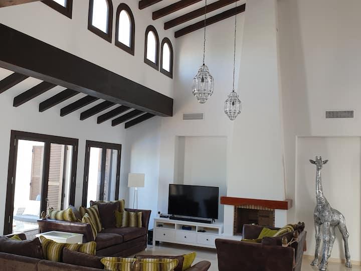 Luxury Private Villa in El Valle Golf Resort