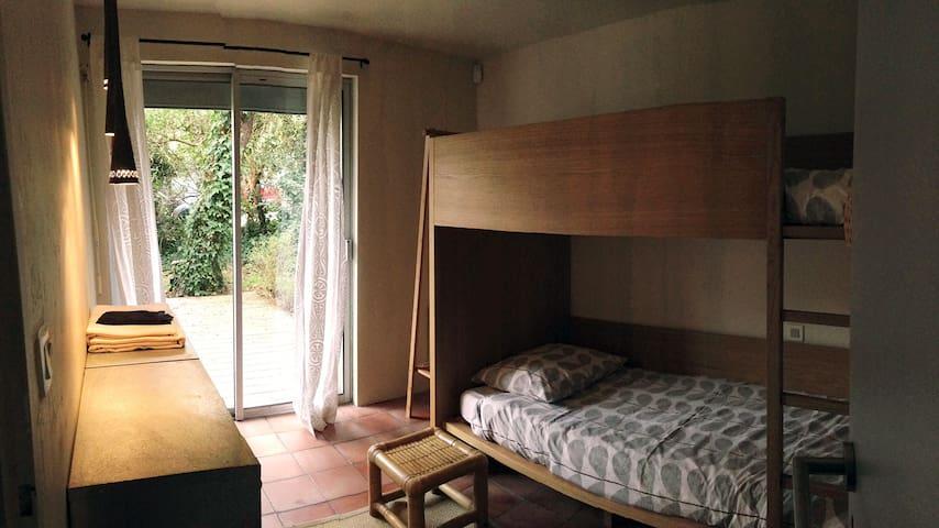 Villa entre Lac et Mer_Chambre 2x1p