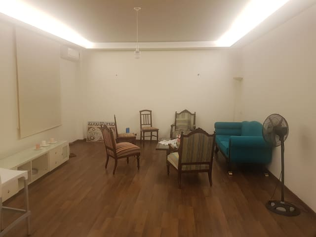 Private room in the heart of Hamra