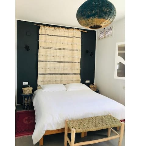 BLUE WAVES SURF HOUSE Room DELUXE (Anza)