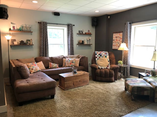 Spacious, Private Basement minutes from KY Lake