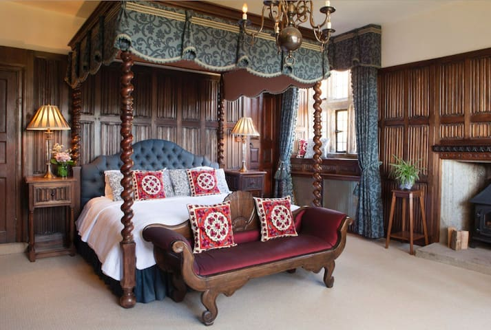 Luxury Suite, Private En Suite with Super King Bed - Christow - Slot