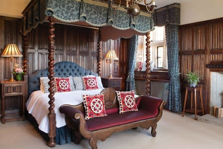 Luxury Suite, Private En Suite with Super King Bed - Christow