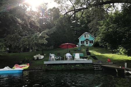 Lake Moraine Holiday Rentals Homes Madison Ny Airbnb
