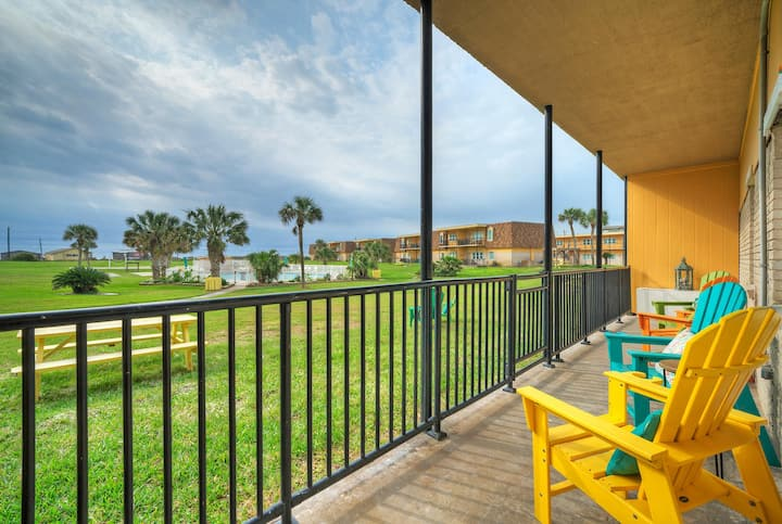 SHORELY BLESSED *Courtyard & Pool View *Beachfront