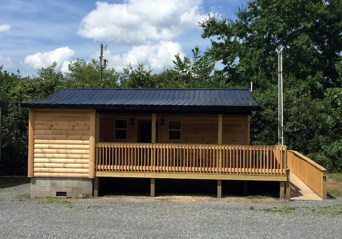 Buck Hill Tiny Home Cabin #6 Honeymoon Suite (ADA)