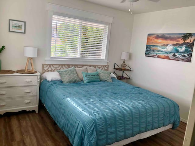 Second bedroom- king bed. Ocean and street view.