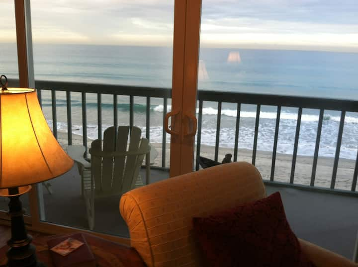 On The Strand - Full Ocean Views - Sunset Cottage