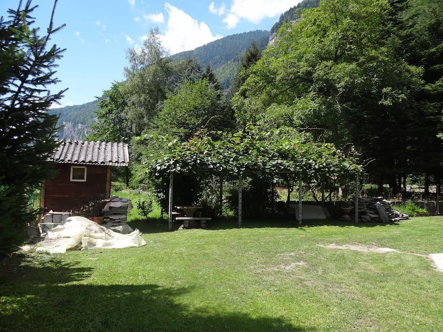 Casa in montagna con giardino appartamenti in affitto a san rocco piemonte italia - Casa con giardino torino ...