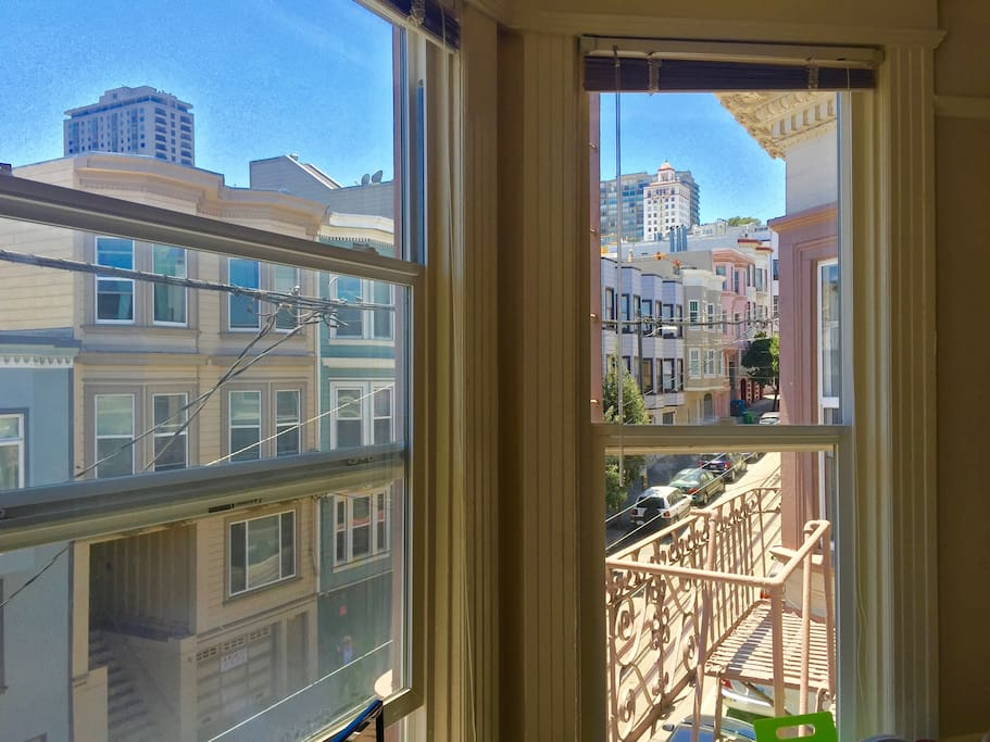 Charming room with cable car views in chinatown appartements louer san - Appartement a louer san francisco ...