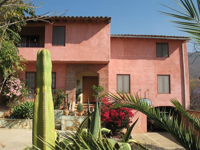 4 bed house/pool San Felipe del Agua, Oaxaca