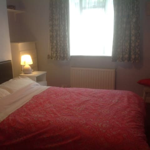 Room on southside of Dublin - Blackrock