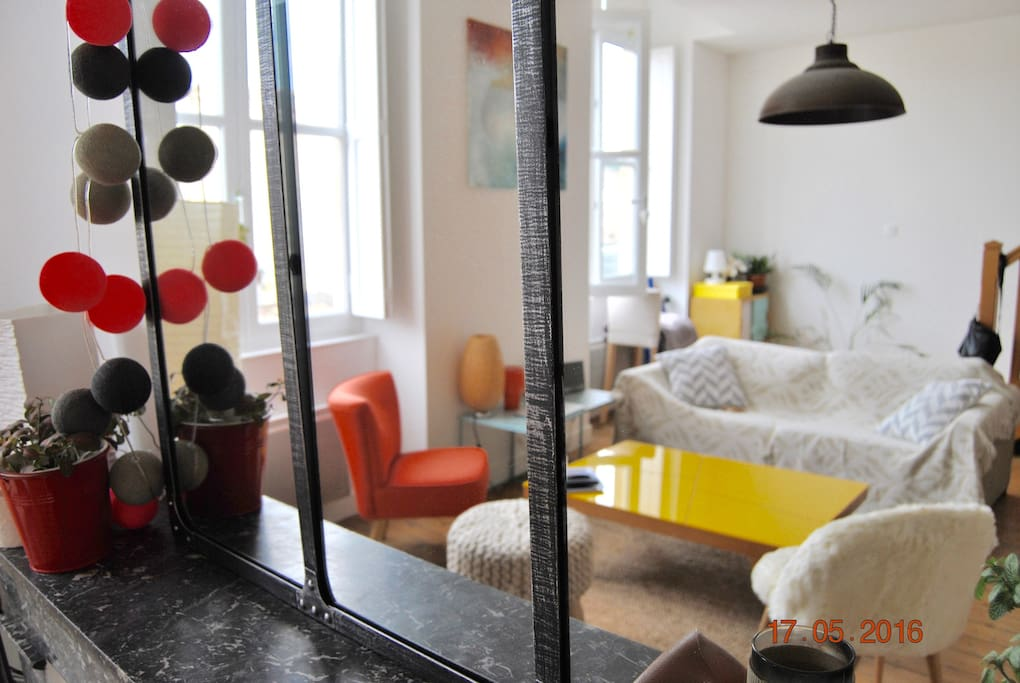 Ch sdb ind pendante grand t3 bdx centre appartements for Location appartement bordeaux centre t3