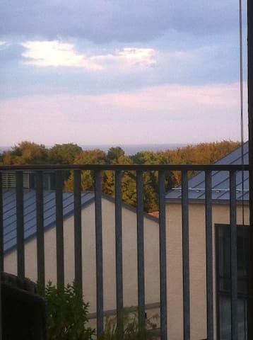 Egen altan og udsigt nær Moesgaard - Højbjerg - Apartamento