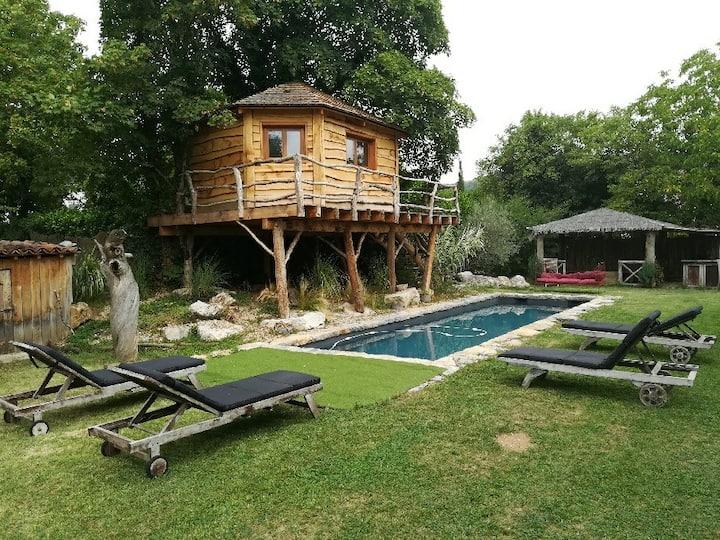 Maison de village,charme, piscine et cabane