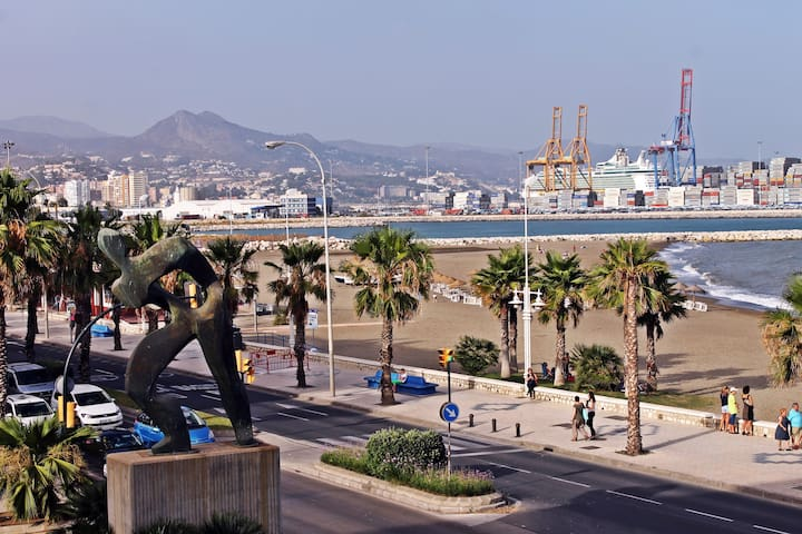 Apartment with 2 bedrooms in front of the beach. - Málaga - Lejlighed
