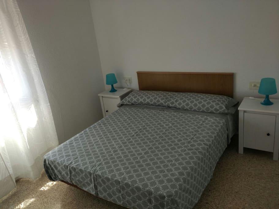 Habitación 1: una cama de 1'50 nueva