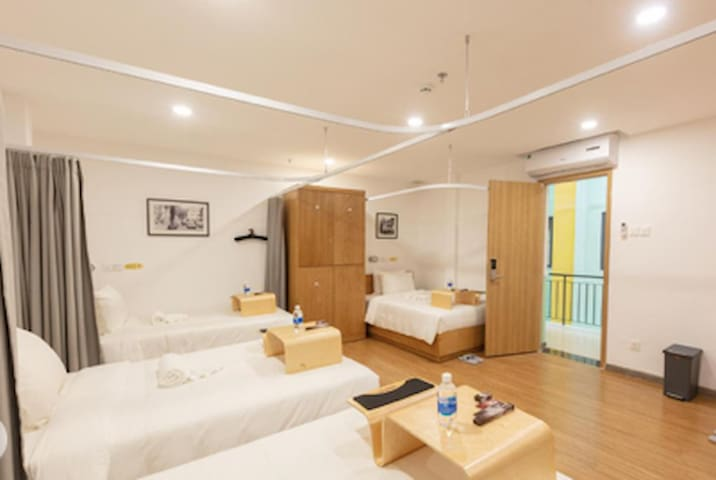 Luxury Mix Dormitory 1 in 4 Beds