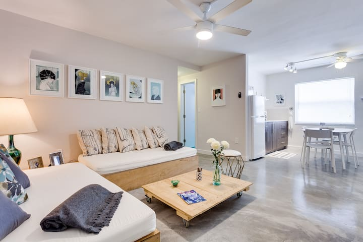 Wynwood Place 3 | Artsy 2 bedroom + FREE Parking