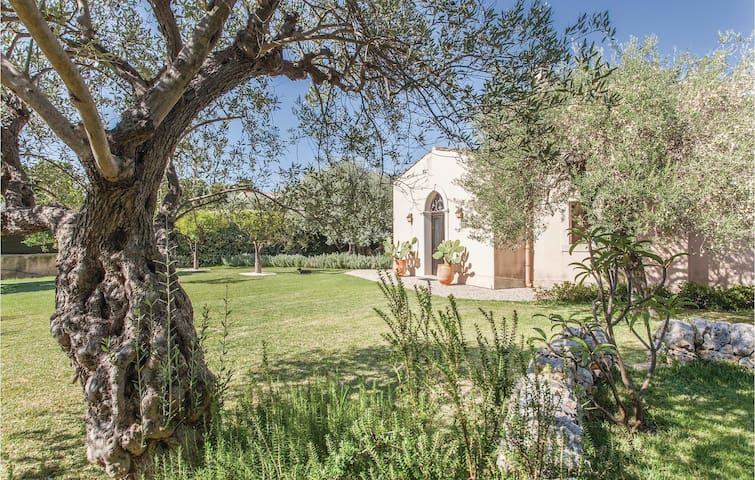 Holiday cottage with 3 bedrooms on 130m² in Fontane Bianche (SR)