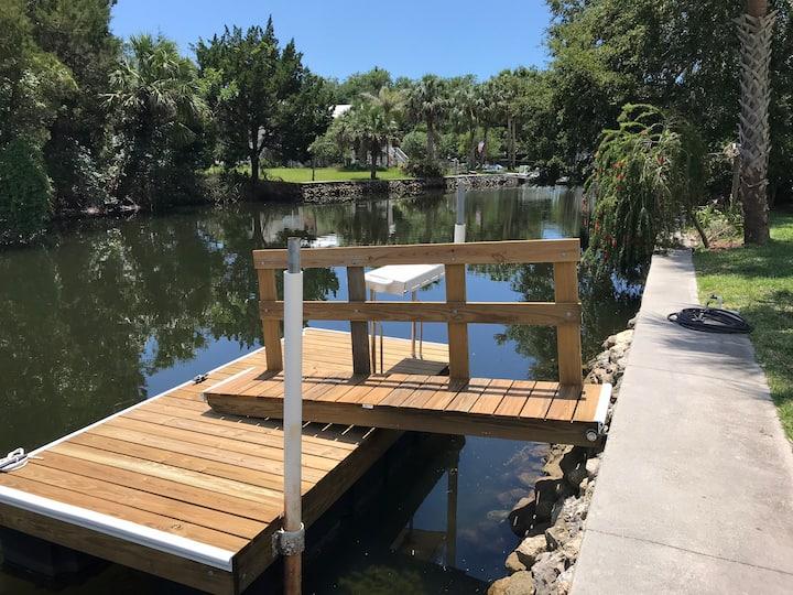 Waterfront Home for Scalloping Fishing & Kayaking!
