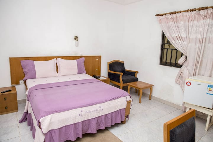 Private, Cosy, Serviced rooms in  New Achimota