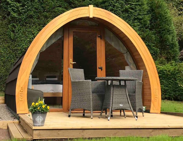 'Wren' Garden Pod,  views of Ben Nevis. Nevis Pods