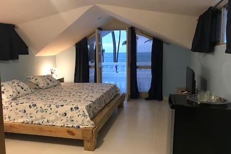 Habitación frente al mar en Punta Bonita.