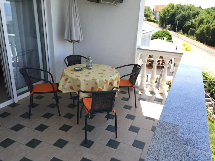 Two bedroom apartment with terrace and sea view Njivice, Krk (A-5295-a)