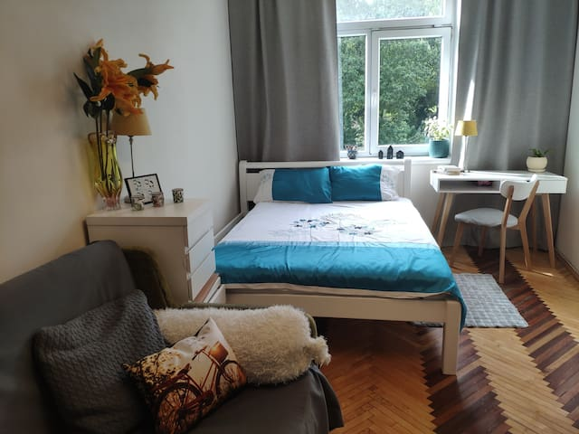 Cozy apartment 10min from Lviv downtown
