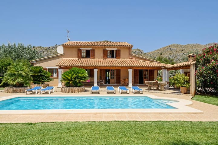 Villa Sunflower at Illes Balears