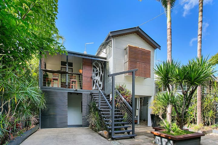 Gem in the heart of Cairns - Cairns North - Guesthouse