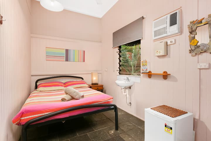 Dreamtime Budget double room #4