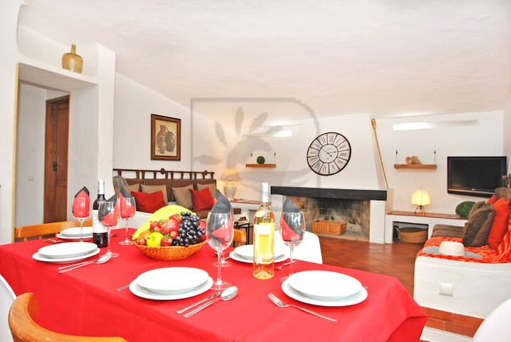 TOTALLY REFURBED 4 BED VILLA, NEWLY BUILT POOL... - Albufeira - Dům