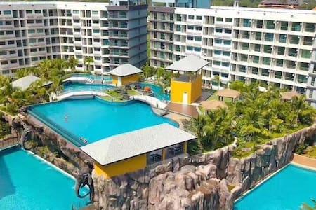 芭提雅马尔代夫度假村!拥有5700平米最大水系洁白沙滩(近中天海滩,素万纳普机场大巴站)