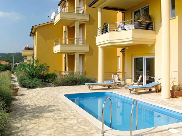 Holiday Apartment Magnolia in Rabac for 9 persons