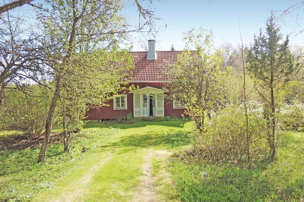Holiday cottage with 4 bedrooms on 165 m u00b2 in Lammhult Houses for Rent in Lammhult, Sweden