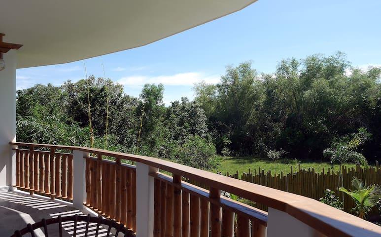 (201) Pool View Studio, Private Balcony, Breakfast - Panglao - Bed & Breakfast