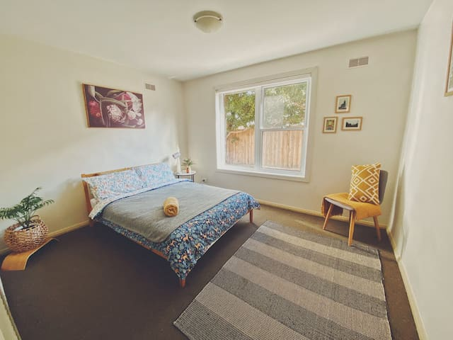 Cosy Double bedroom in the Heart of Flemington
