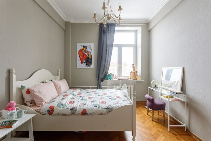 Dream 3 bedrooms apartment near the Red Square!