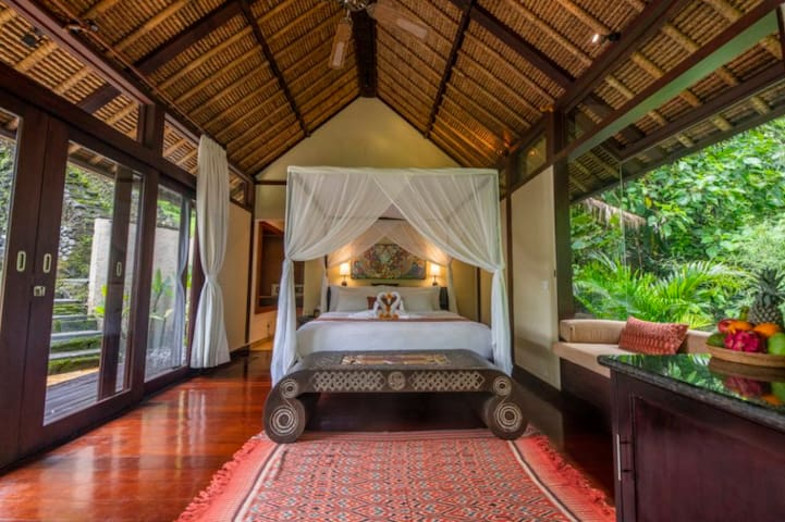 Kat, Airbnb On-Line Guest Review:  This is the kinda of place I guarantee you will want to extend your stay. This is my 6th trip to Ubud Bali, and I have never stayed in a place as amazing at Cella Bellas....The river villa is spectacular.