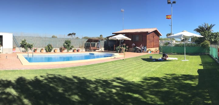 Playa, piscina, huerto y relax.