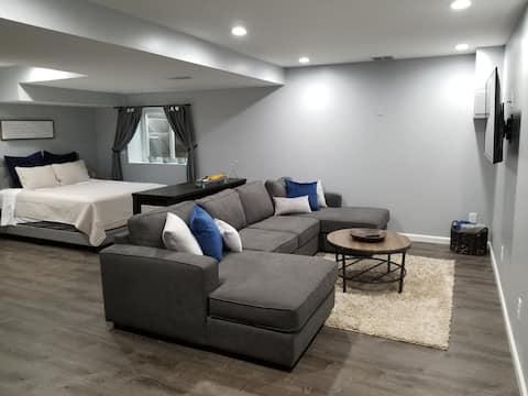 Cozy guest room near downtown Saline & Ann Arbor