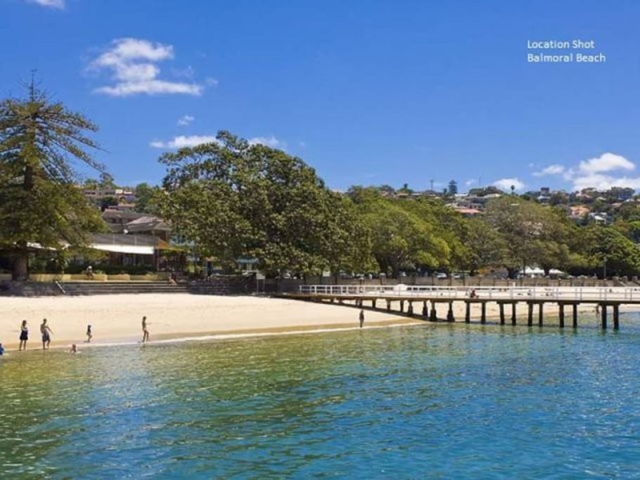 Balmoral Beach just a 2 minute walk away.