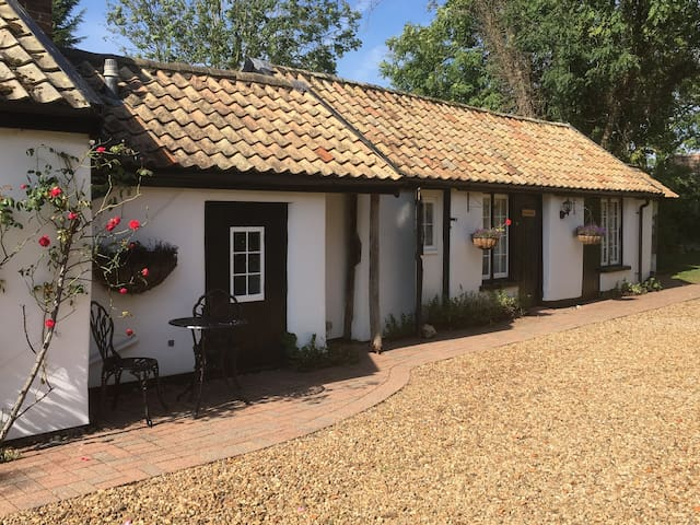 The Bakehouse: former bakery in idyllic village
