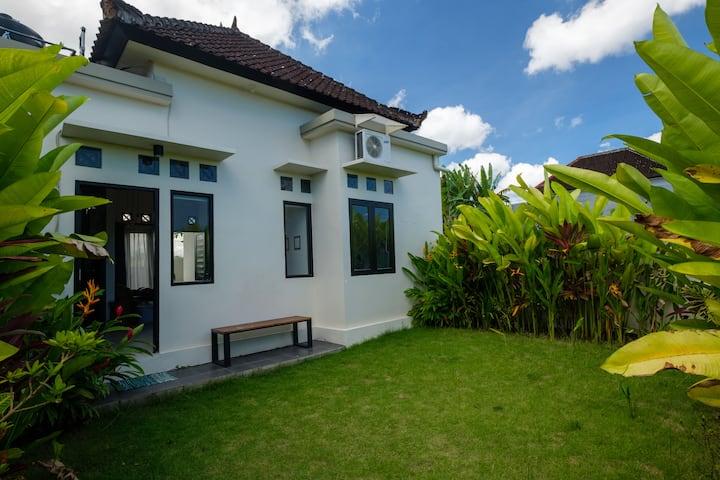 Cosy House Quiet area in Canggu