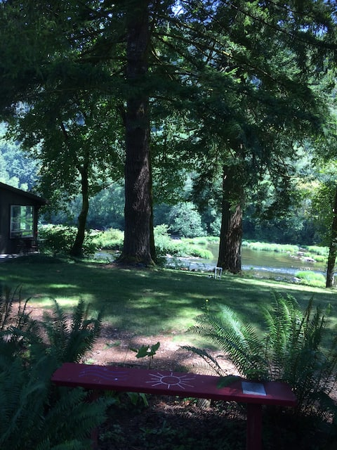 Cozy River Cabin