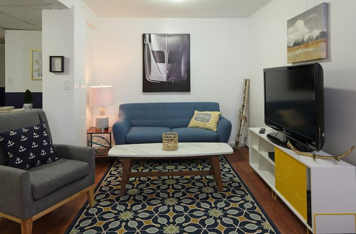 Apt G -modern comfort mins from NYC - Jersey City