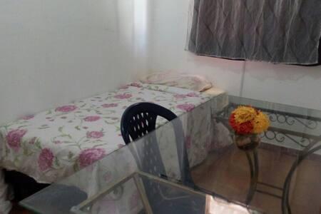 Quarto em Vargem Grande - Rio de Janeiro - Rumah